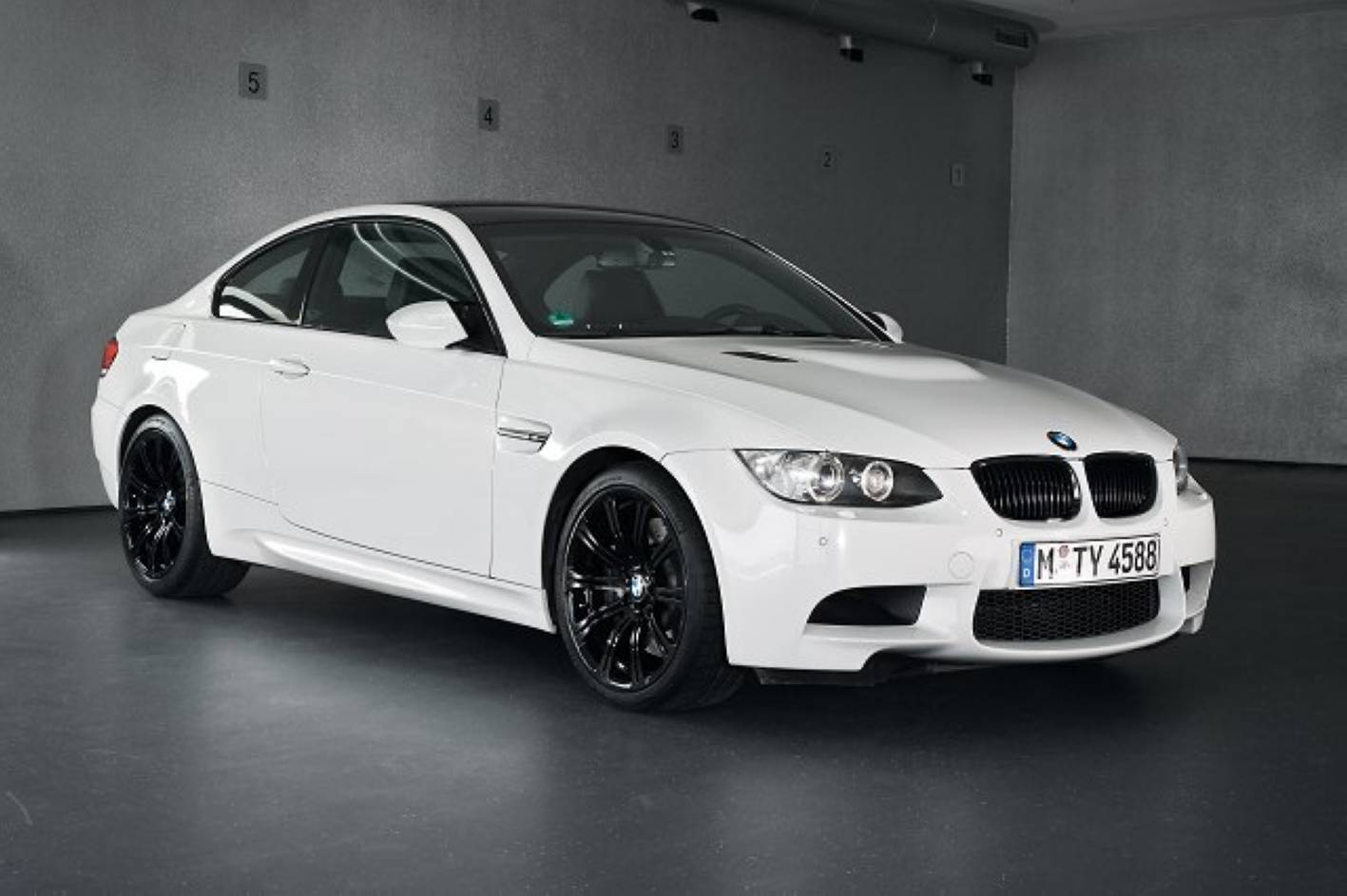 Black and White BMW M3 Logo - BMW M3 Pure Limited Edition for Oz - autoevolution